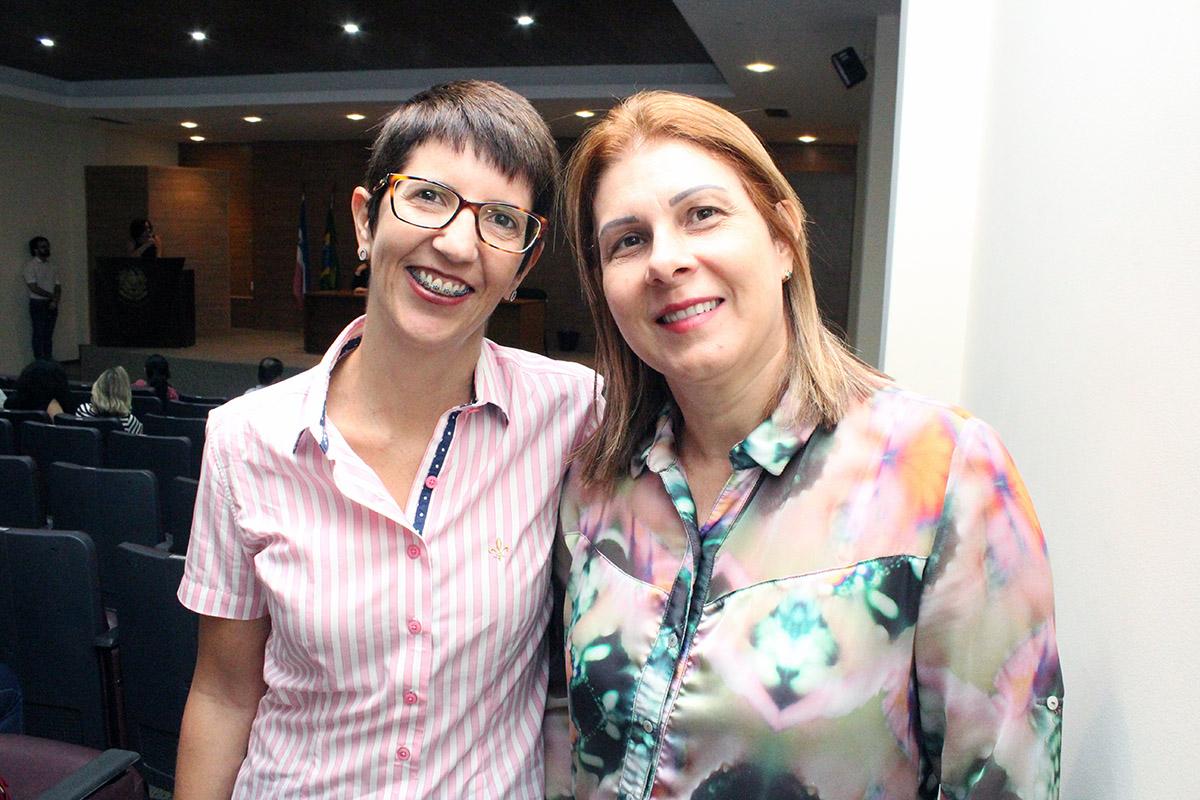 Diretora da Adufes, Edinete Maria Rosa, na solenidade de posse do colegiado do CEDH/ES.